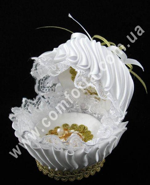свадебная подставка для обручальных колец в форме ракушки, размеры - 13 х 13 см, цвет - белый, материал - ткань