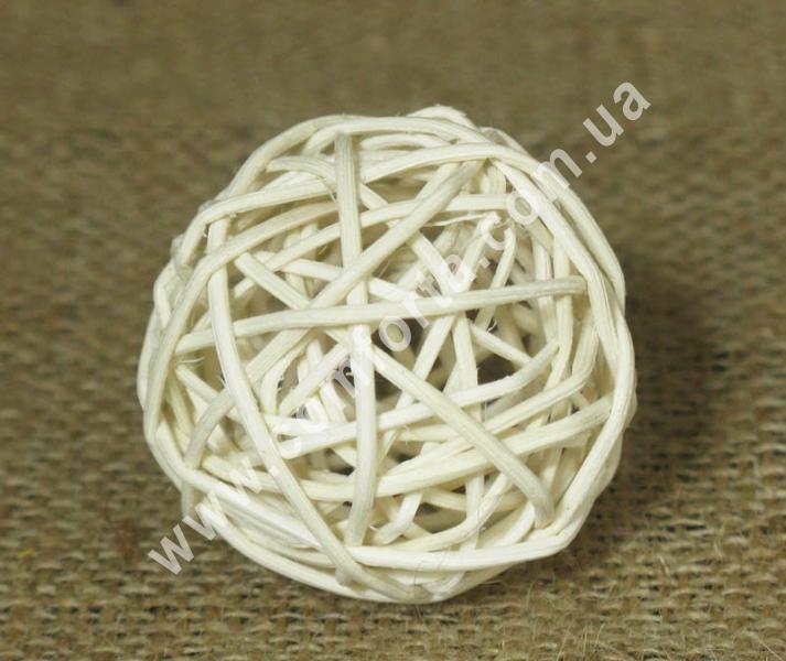 шарик из ротанга, диаметр - 5 см, цвет - бежевый