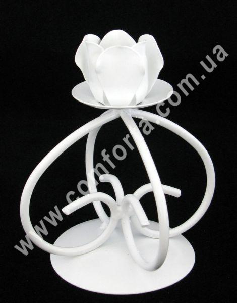 свадебный металлический подсвечник, высота - 15 см, ширина - 9 см