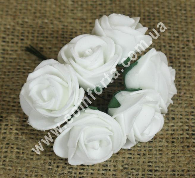 Букетик роз из латекса (6 шт), высота - 11 см, цвет - белый