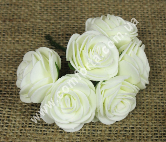 Букетик роз из латекса (6 шт), высота - 10,5 см, цвет - кремовый