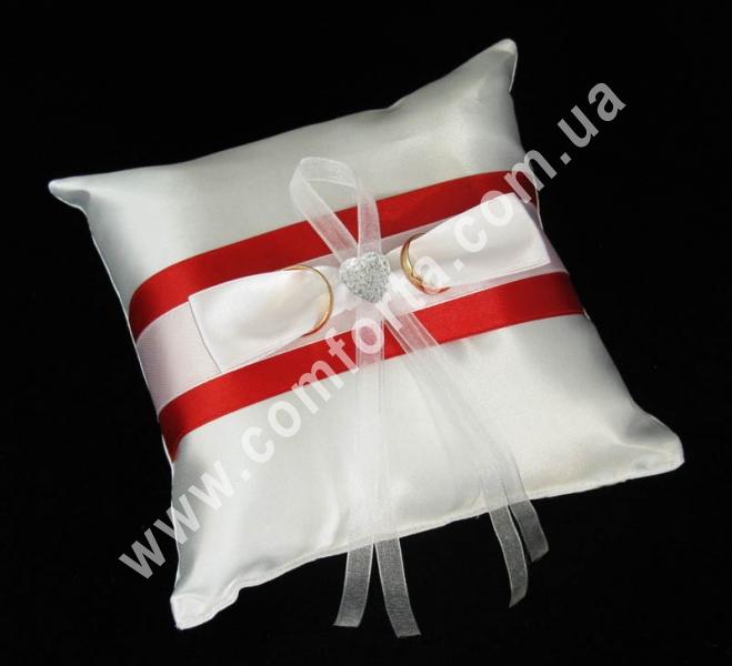 свадебная подушечка для обручальных колец, высота - 16 см, ширина - 16 см, материал - атлас, красная