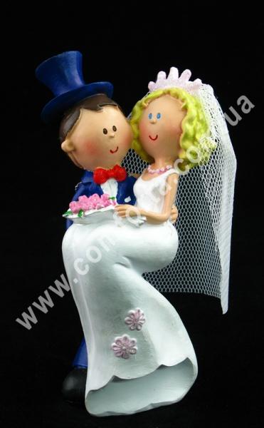свадебные фигурки молодоженов