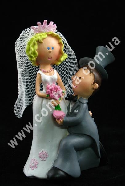 свадебная статуэтка молодоженов