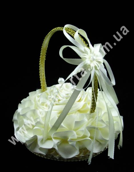 свадебная корзинка для обручальных колец, высота - 14 см, диаметр - 11 см, материал - ткань, цвет - кремовый