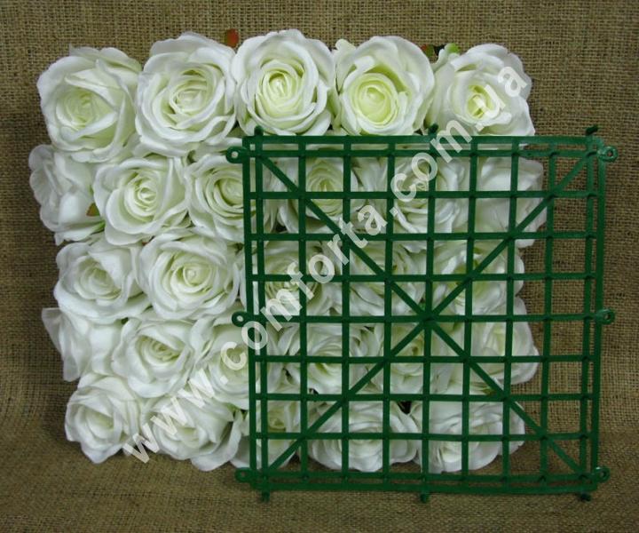 пластиковая основа в виде квадратного коврика для флористических композиций