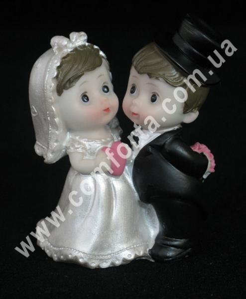 свадебная фигурка молодожен на торт, высота - 8 см, материал - полистоун