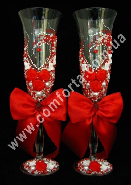 свадебные бокалы с атласными бантами, цвет - красный, высота - 25 см, диаметр - 7 см, объем - 190 мл