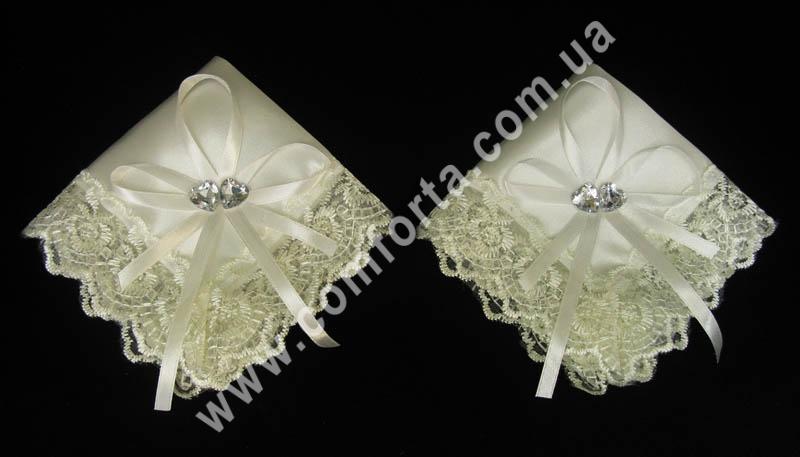 набор кремовых платочков для венчания, размеры - 23 х 23 см, материал - атлас