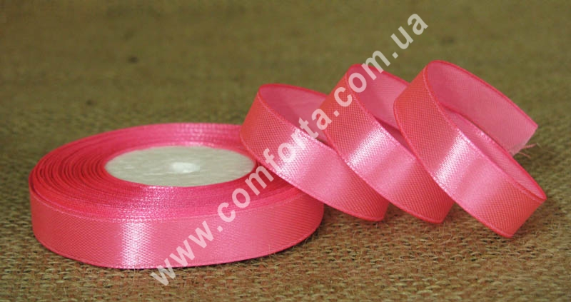 лента атласная ярко-розовая врулоне, ширина - 1,2 см, длина - 23 м