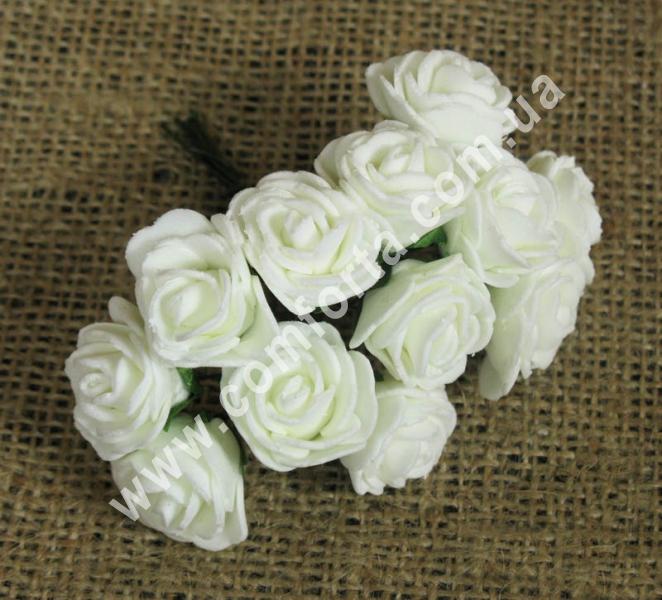 Букетик роз из латекса (12 шт), высота - 8 см, цвет- кремовый