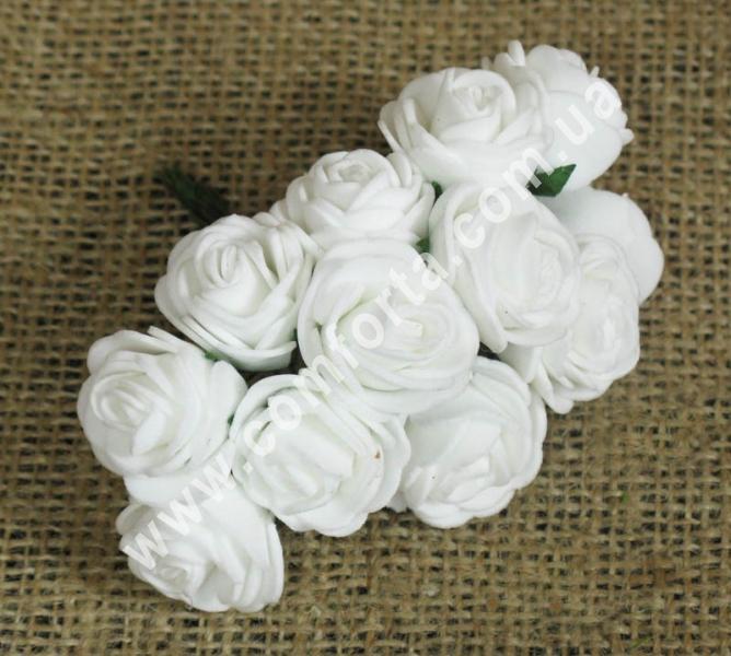 Букетик роз из латекса (12 шт), высота - 8 см, цвет - белый